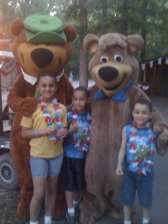 Yogi Bear's Jellystone Park Camp-Resort  Hagerstown : No picnic baskets here!
