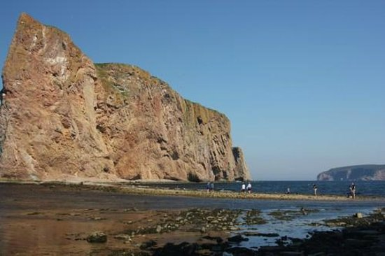 Pierced Rock (Rocher-Percé): The passage way to the Pierced Rock during low tide