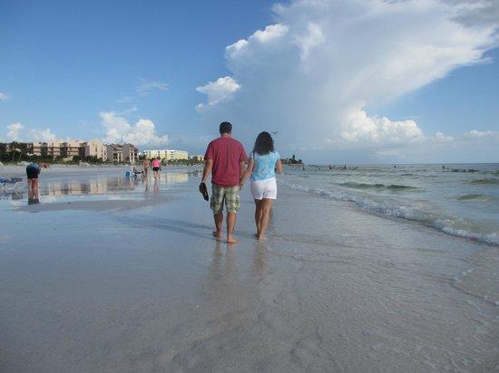 Crescent Arms Condominiums: Enjoying beach life!