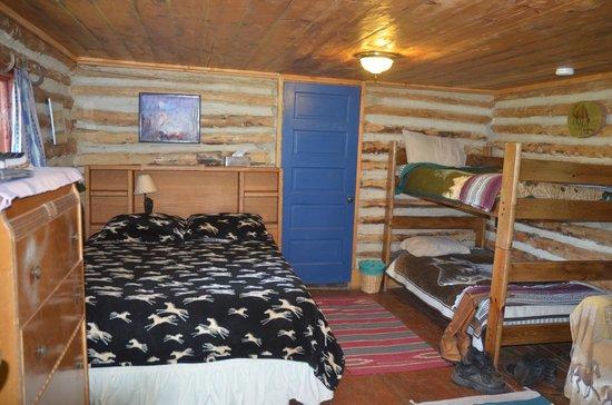 Granite Creek Guest Ranch: Inside the cabin