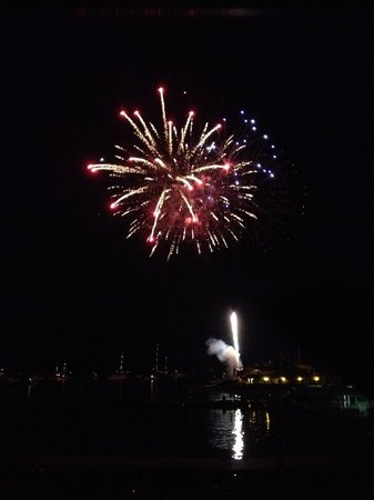 Harborside Hotel & Marina: Fireworks over the water