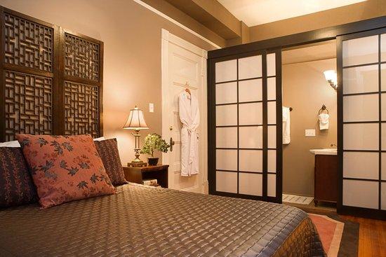 Azalea Inn & Villas: Gentleman's Parlor Azalea Inn & Gardens