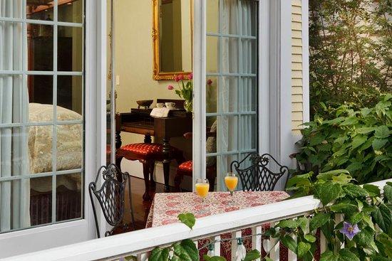 Azalea Inn & Villas: Sweet Olive Azalea Inn & Gardens