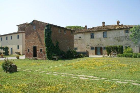 Cortona Resort - Le Terre dei Cavalieri: quelques bâtiments de l'hotel