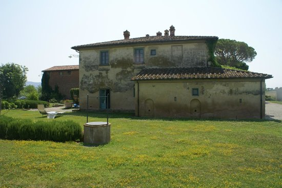 Cortona Resort - Le Terre dei Cavalieri : quelques bâtiments de l'hotel