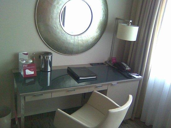 Hotel Crowne Plaza Berlin City Centre: Arbeitsbereich