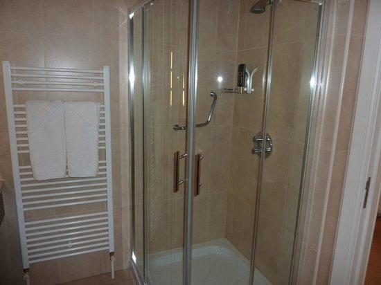 Hillgrove Hotel, Leisure & Spa: Bathroom