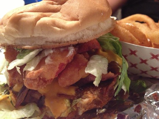 Hoss and Mary's Tasty Grub: Flaming Mobster Burger