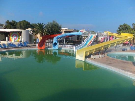 Sandy Beach Resort : children's pool and aqua park