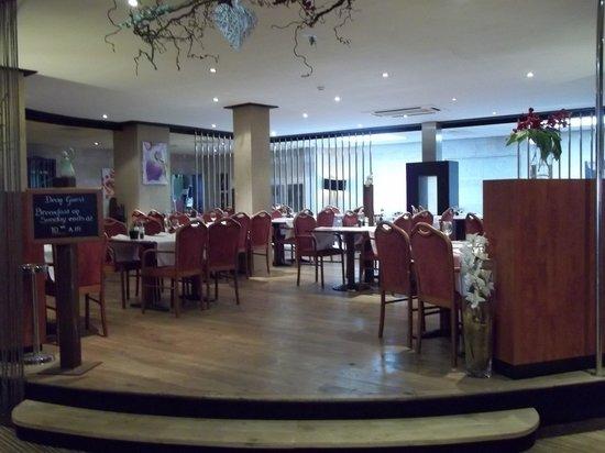 Golden Tulip Weert Hotel: de ontbijtzaal