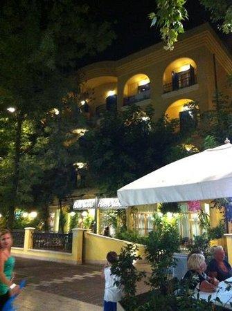 Hotel Vanni: l'ingresso...