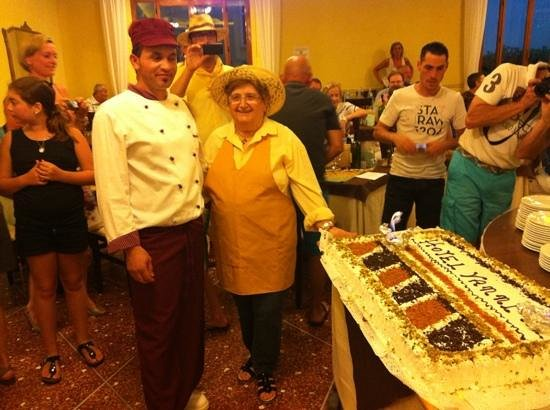 Hotel Vanni: la torta di Nonna Gina........
