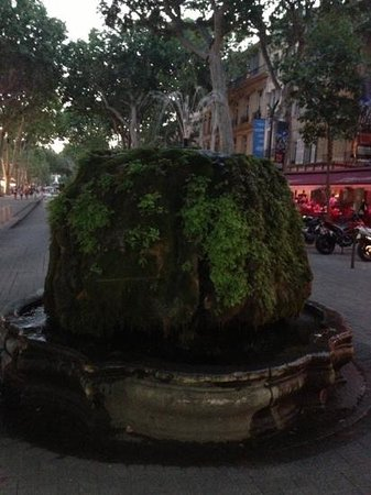 ‪Mossy Fountain‬
