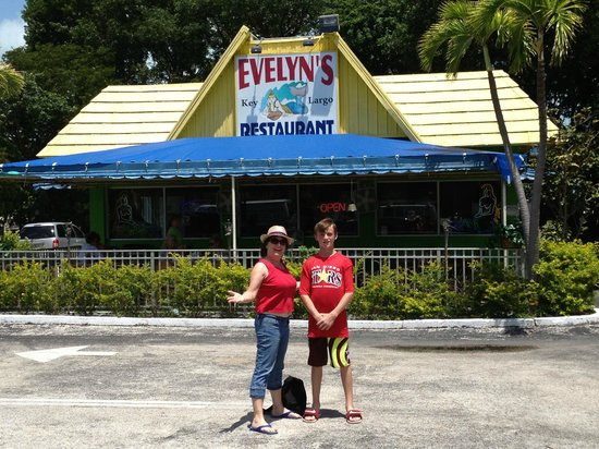Evelyn's Restaurant: Saw a restaurant with MY name on it, so we had to stop!