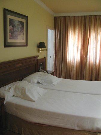 Loiu Hotel : Bedroom