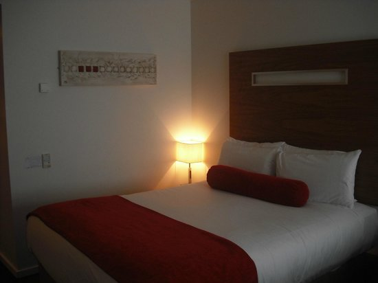 Clayton Hotel Galway: comfy bed