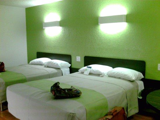 Days Inn Scottsbluff: Two queen beds