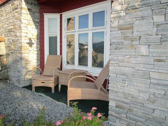 BesteBakken: chairs outside our room