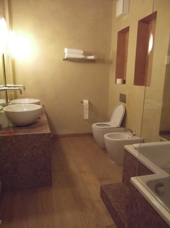 Hotel Kukuriku: bathroom
