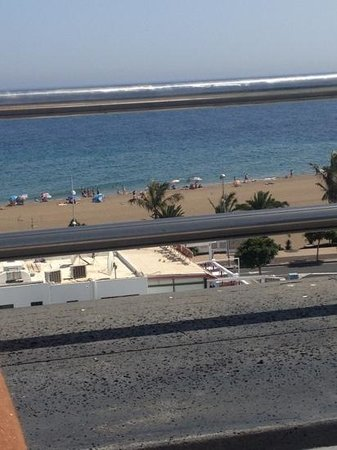 Morana Apartments: View of the beach from the sun terrace
