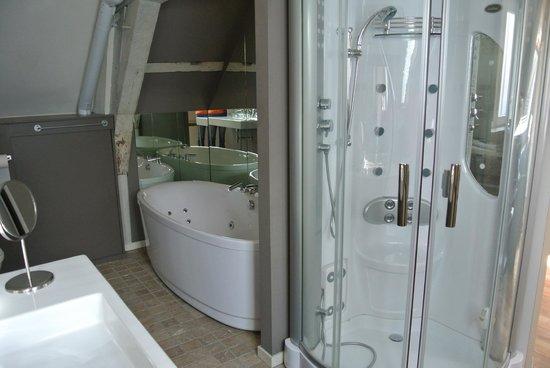 De Koning van Spanje: Bathroom