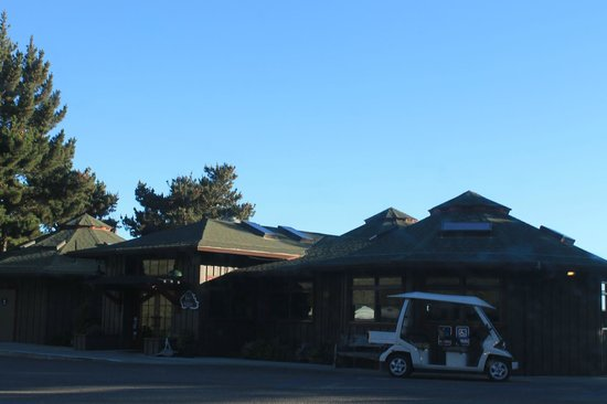 Treebones Resort: The Main Lodge