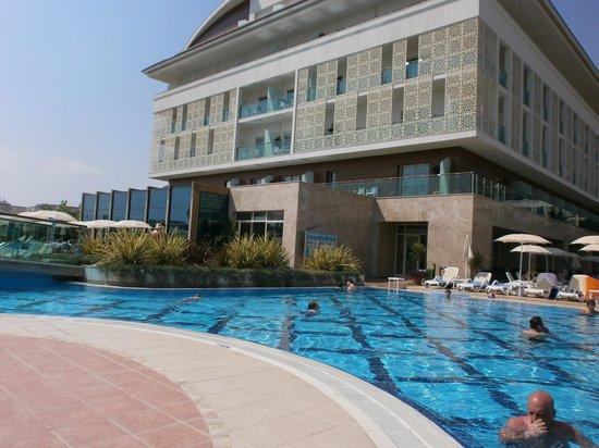 Trendy Verbena Beach Hotel : Piscine