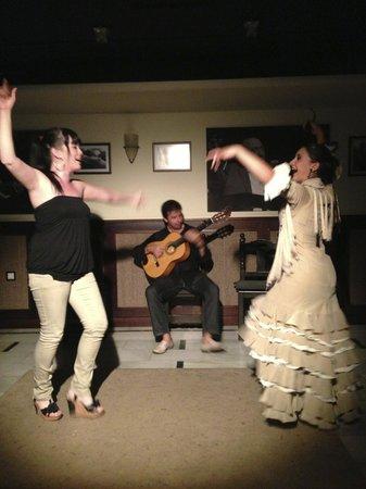 Saborea el Flamenco en Bodegas Mezquita : Danse, Guitare et Chant