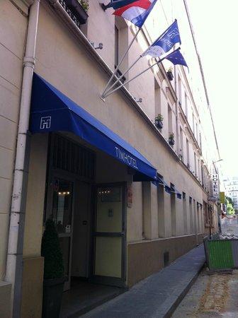 TIMHOTEL Paris Gare De Lyon: entrée de l'hôtel
