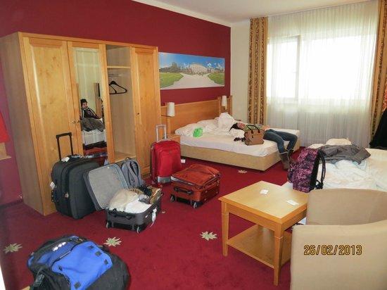 Der Salzburger Hof: habitacion cuádruple en Hotel-Annex Der Salburger Hof