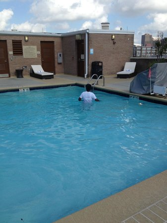 Hilton Garden Inn New Orleans Convention Center: Pool area