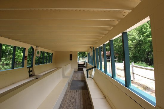 Monticello III Canal Boat Ride : Nice and shaded on a hot day!