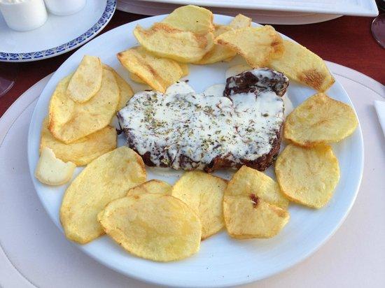Restaurante O Arraiolos: bife Arraioles com queijo de ovelha