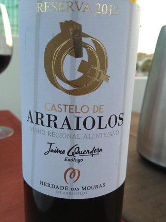 Restaurante O Arraiolos: vinho de casa