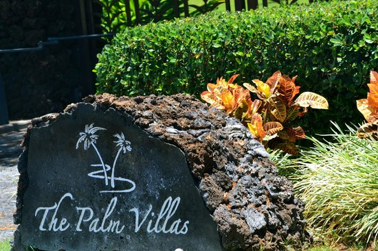 Palm Villas at Mauna Lani: Palm Villas Gated Entrance