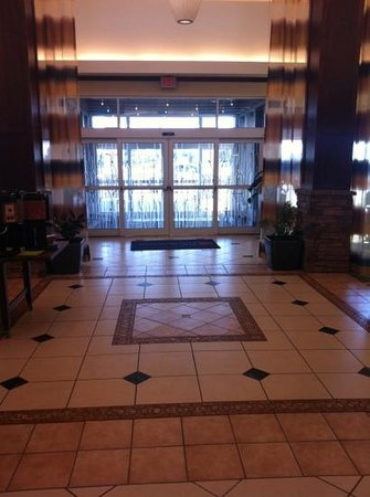 Hilton Garden Inn Great Falls: entrance and foyer