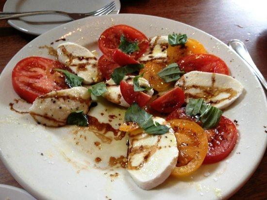 Il Ritrovo: Una perfetta insalata caprese