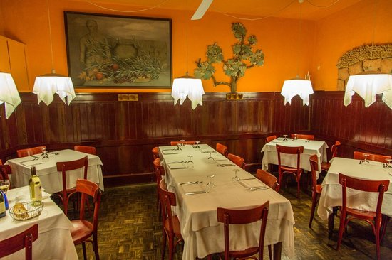 Trattoria dell'Orso: Rear dining area