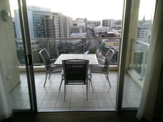 Oaks Lexicon Apartments : Balcony
