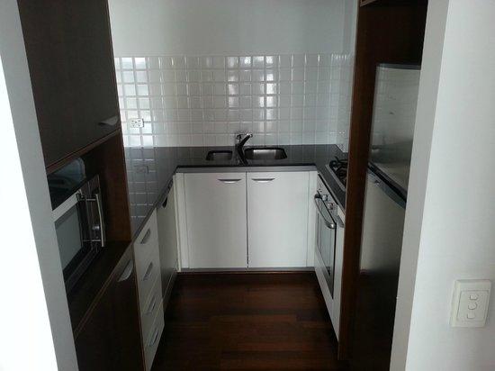 Oaks Lexicon Apartments : Kitchen
