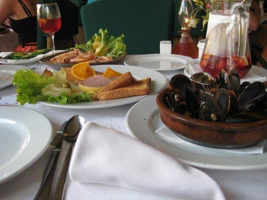 Restaurante Tango: few starters together :)