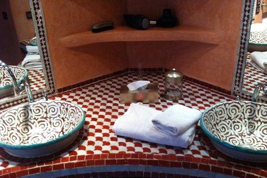 Riad Misria : 2 sinks