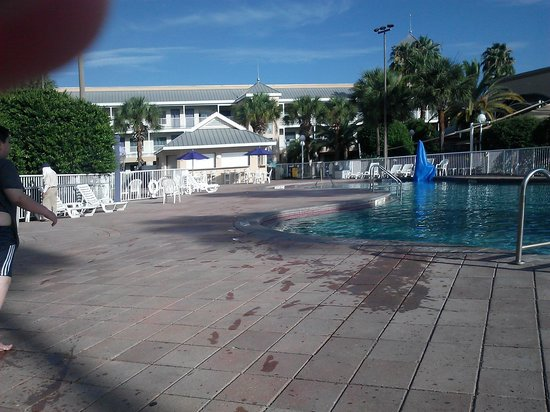 Clarion Suites Maingate: pool wonderful clean and empty