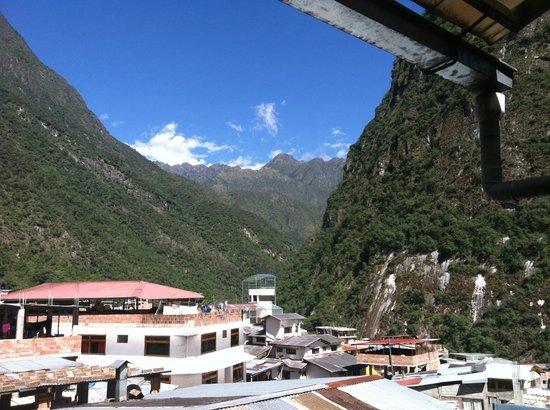 Hotel La Cabana Machu Picchu: View from La Cabaña 3rd floor