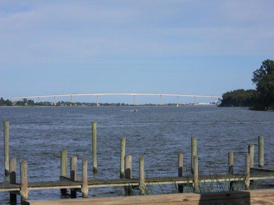 Clarke's Landing : View of the Solomon's Bridge