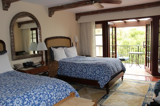 Bacara Resort & Spa: Room with two double beds