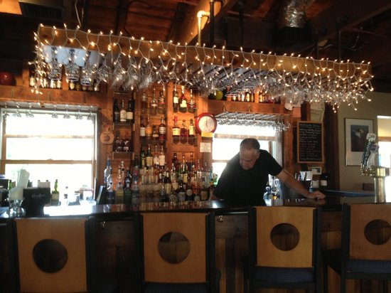 Pultneyville Grill: The scenic bar (upstairs)