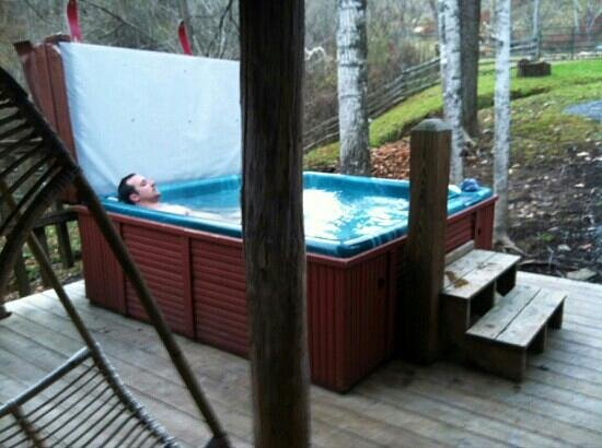 Jerico Bed & Breakfast: relaxing in hot tub