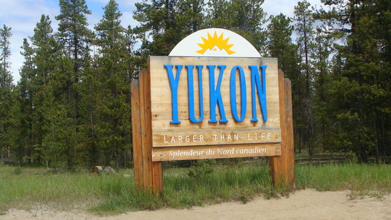 Alaska Highway: Going into the Yukon