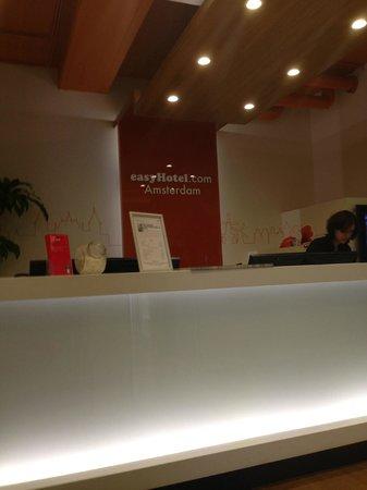 easyHotel Amsterdam : Reception